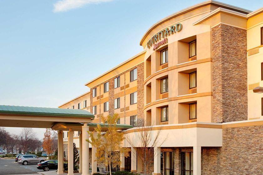 Hotels Near N Ay